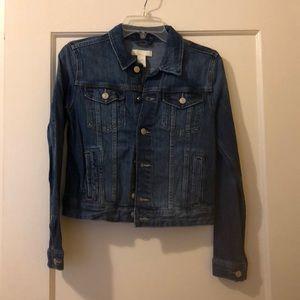 Jean jacket. Size 6. H&M.